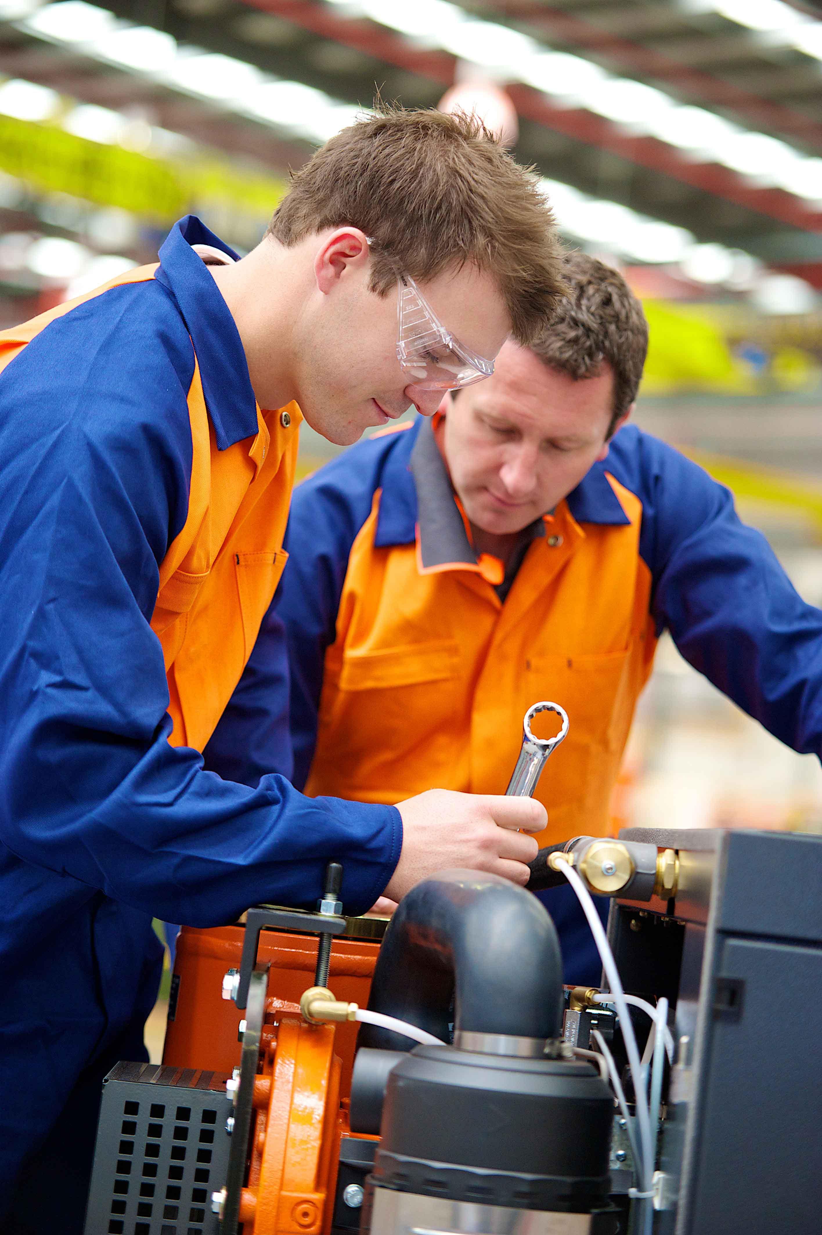Как производится ремонт и обслуживание компрессоров?