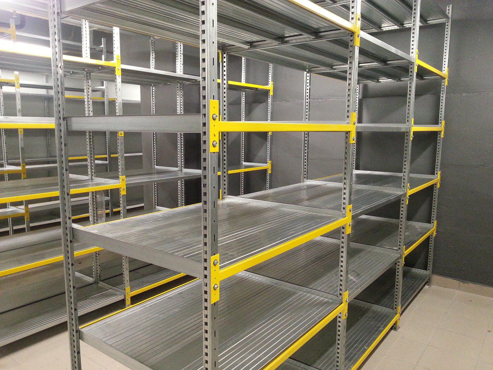 Параметры металлических стеллажей для склада