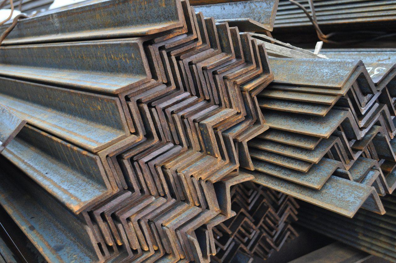 Металлопрокат уголок — как использовать?