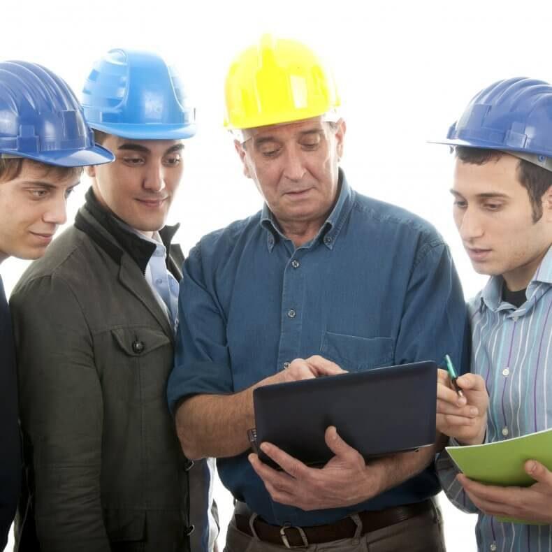 Из чего состоит программа обучения по охране труда?